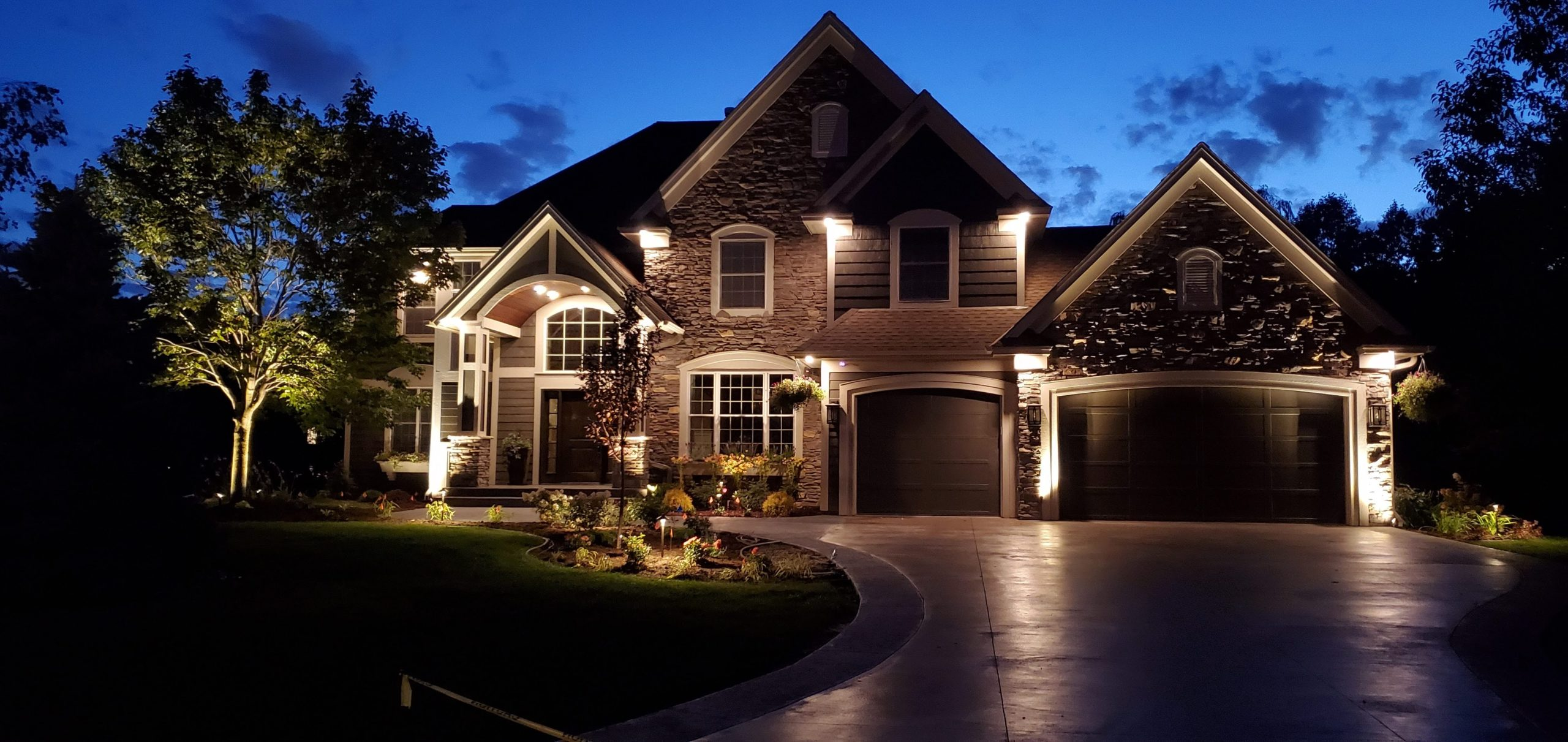 landscape lighting benefits