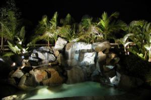 benefits of landscape lighting